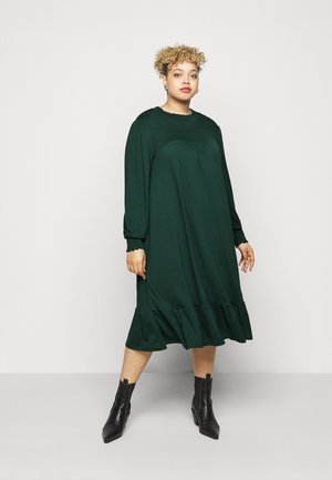 SHIRRED YOKE DRESS - Jerseykjoler - green