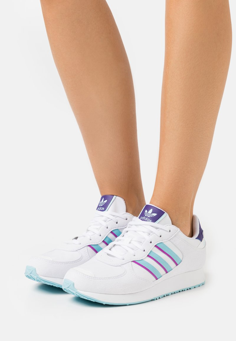 adidas Originals - SPECIAL 21  - Baskets basses - footwear white/haze sky/shock purple