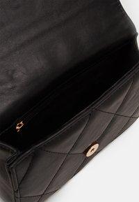 Gina Tricot - MALLIS BAG - Across body bag - black - 3