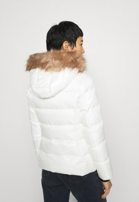 Calvin Klein - ESSENTIAL JACKET - Down jacket - snow white - 2
