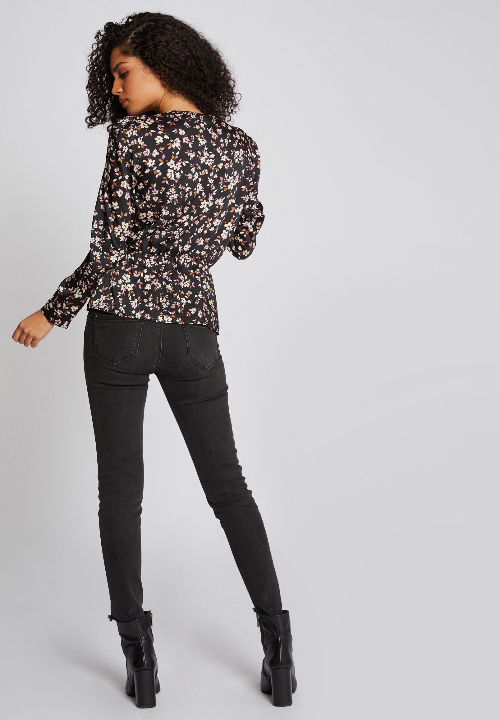 Morgan WITH FLORAL PRINT - Blouse - multi-coloured - Tops & T-shirts Femme O28W2