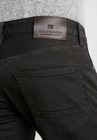 Scotch & Soda - Slim fit jeans - charcoal - 3