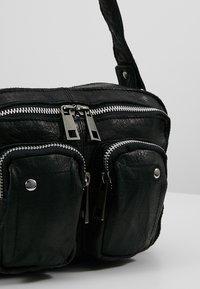 Núnoo - ELLIE WASHED - Handbag - black - 6