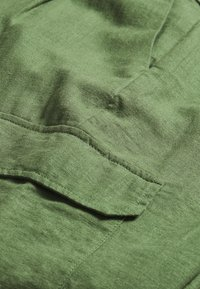 TOM TAILOR DENIM - UTILITY RELAXED PANTS - Trousers - olive green - 2
