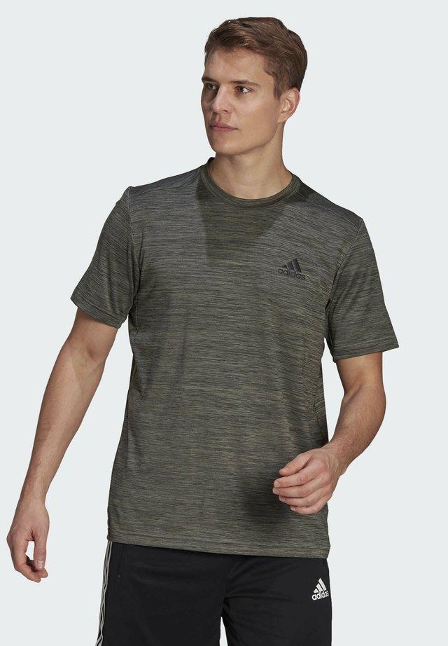 AEROREADY DESIGNED TO MOVE SPORT STRETCH T-SHIRT - Print T-shirt - green