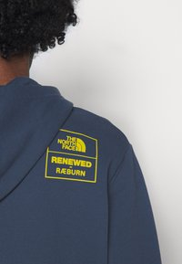 The North Face - RENEWED PANDA HOODIE UNISEX - Sweatshirt - vintage indigo - 8