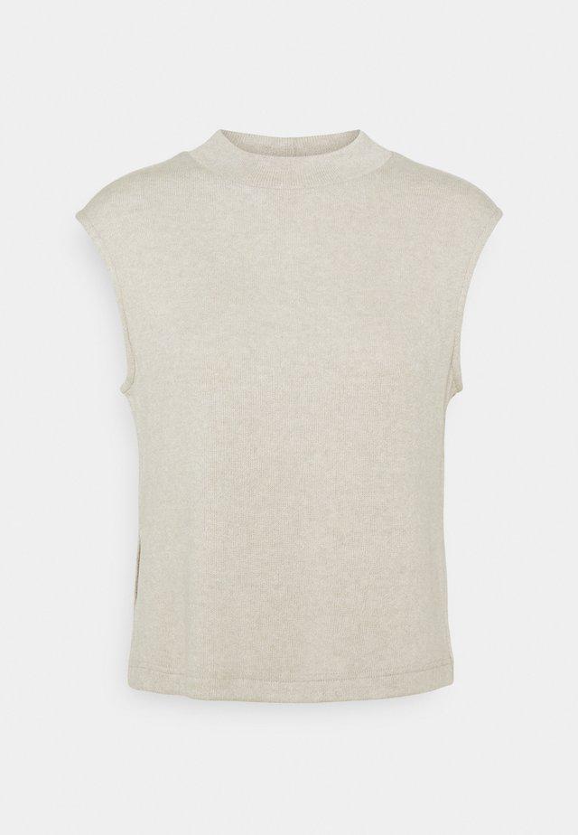 PCLEODA VEST  - Stickad tröja - birch/melange