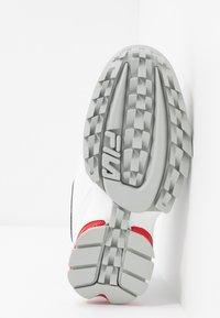 Fila - DISRUPTOR LOGO - Baskets basses - white/navy/red - 6