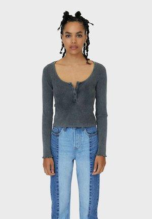 MIT KNOPFLEISTE IM ACID-WASH - Long sleeved top - dark grey