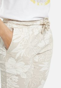 Heartkiss - Trousers - natur print - 3