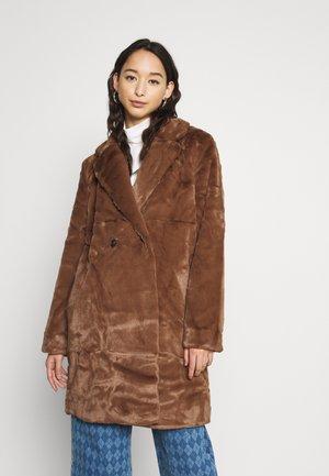 DAD COAT - Winter coat - brown