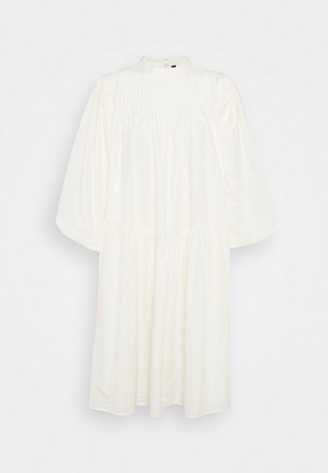 YASSALISA DRESS - Korte jurk - eggnog