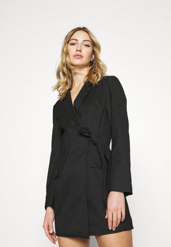 KAREN DRESS - Sukienka etui - black