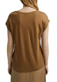Esprit Collection - Basic T-shirt - bark - 6