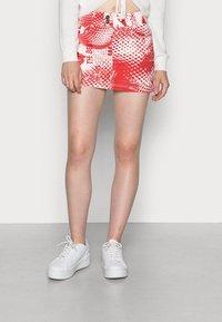 Jaded London - SCREEN MINI SKIRT - Mini skirt - red/ white - 0