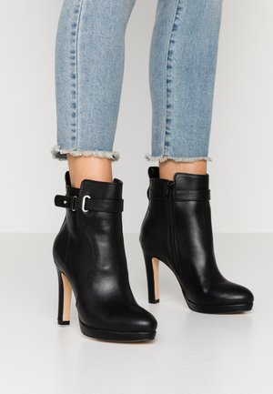 VEGAN AUDRINA - Bottines à talons hauts - black