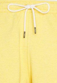 Nike Sportswear - REVIVAL - Short - solar flare/smoke grey - 5