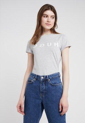DENNA - T-shirts med print - medium grey