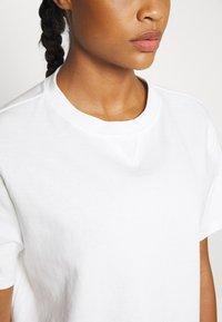 Sweaty Betty - BOXY TEE - Basic T-shirt - white - 4