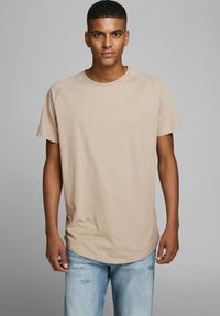 Jack & Jones - JJECURVED TEE O NECK - Camiseta básica - beige - 0