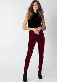 Indiska - Leggings - Trousers - red - 3