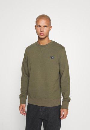 SIGN OFF CREW - Sweatshirt - ivy green