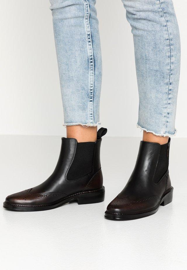 JUILETTA - Korte laarzen - bordeaux