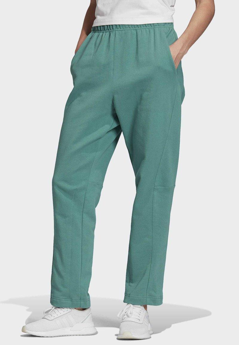 adidas Originals - PREMIUM JOGGERS - Joggebukse - turquoise