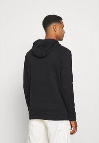 Ellesse - BAZ OH HOODY - Sweatshirt - black - 2