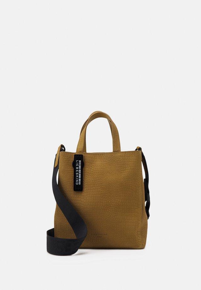 PAPER BAG S - Håndveske - dark dijon