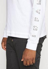 Common Kollectiv - PLUS LONG SLEEVE SLOGAN PRINTED ARCADE TEE - Long sleeved top - white - 5