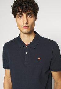 TOM TAILOR - WITH CONTRAST - Polo shirt - dark blue - 4