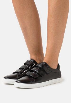 BASE - Trainers - schwarz
