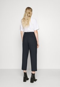 Tommy Hilfiger - ICON TAPERED - Trousers - desert sky - 2