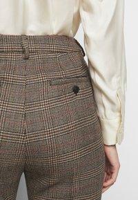 WEEKEND MaxMara - AGGETTO - Trousers - karamell - 7