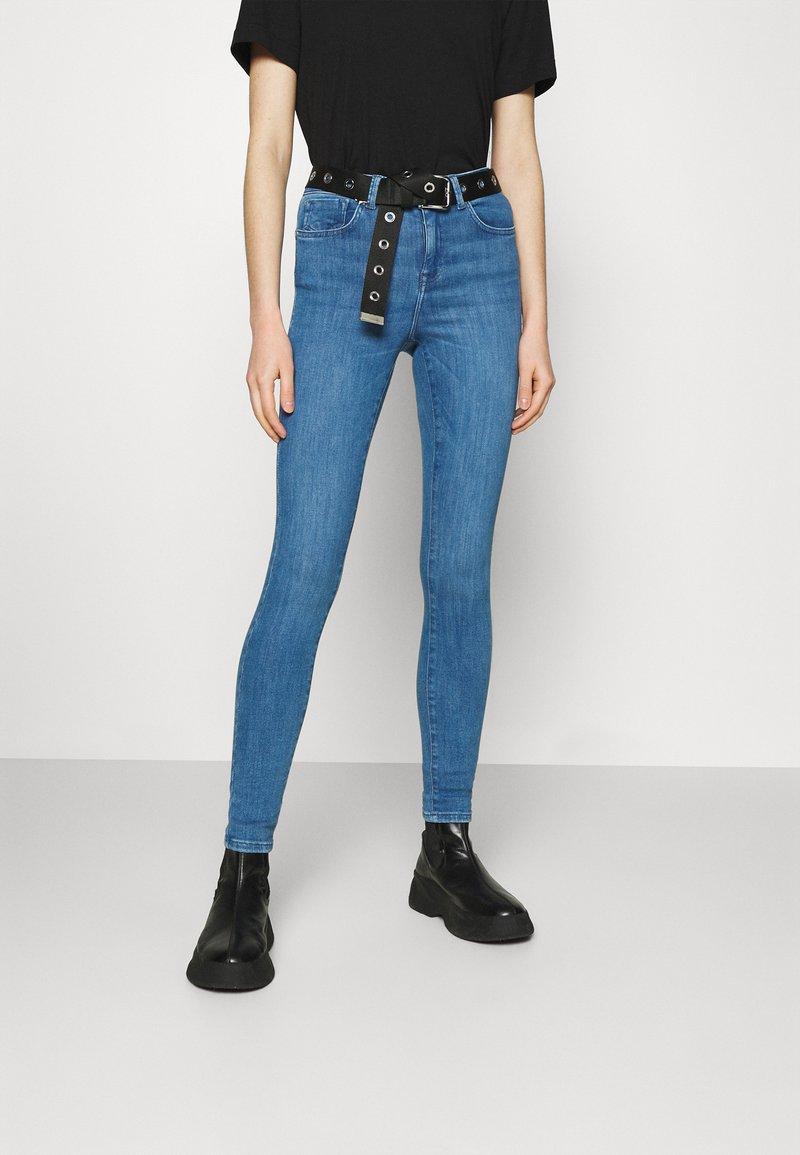 ONLY - ONLPOWER MID PUSH UP  - Jeans Skinny - light medium blue denim