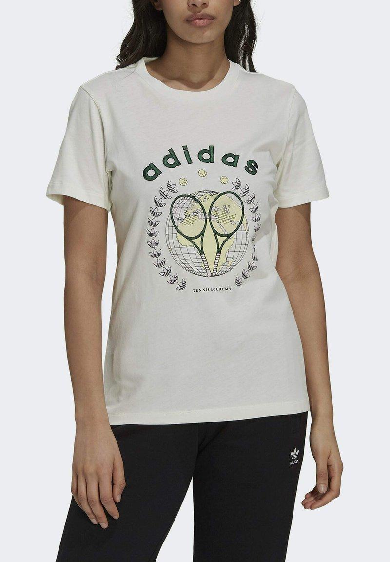 adidas Originals - TENNIS LUXE GRAPHIC ORIGINALS - T-shirt imprimé - off white