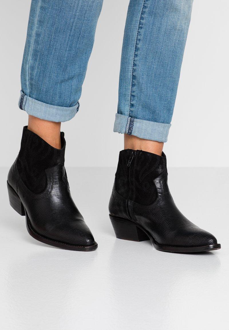 San Marina - CALYSTA - Ankle boots - black