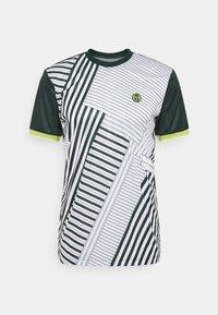 Sergio Tacchini - MEBOURNE MAN - Sports shirt - pine grove/limeade - 0