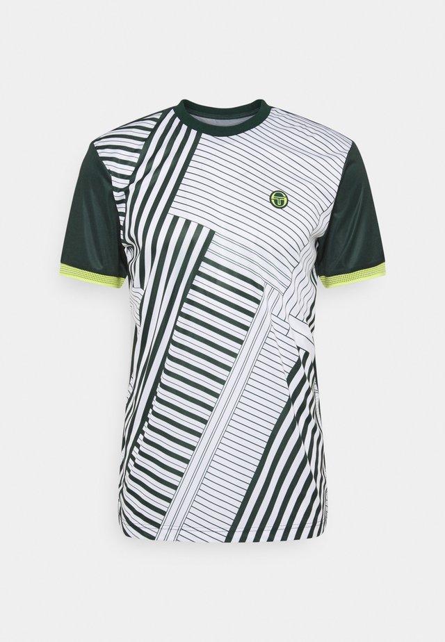 MEBOURNE MAN - T-shirt sportiva - pine grove/limeade
