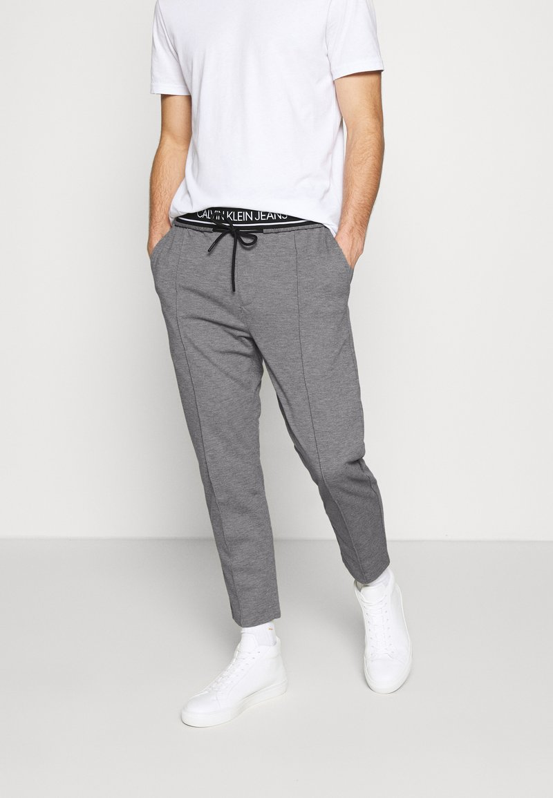 Calvin Klein Jeans - Tracksuit bottoms - grey heather