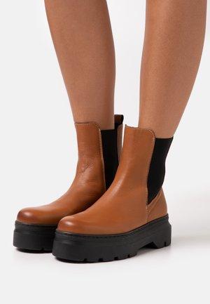 VIOLA - Platform ankle boots - tan