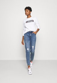 Pieces - PCKESIA MOM DESTROY - Jeansy Relaxed Fit - medium blue denim - 1