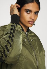 Diesel - W-SWING JACKET - Bomber Jacket - military green - 5