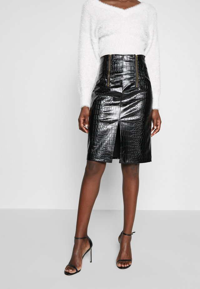 GONNA LONGUETTE IN SIMILPELLE EFFETTO STAMPA COCCO - Pencil skirt - nero