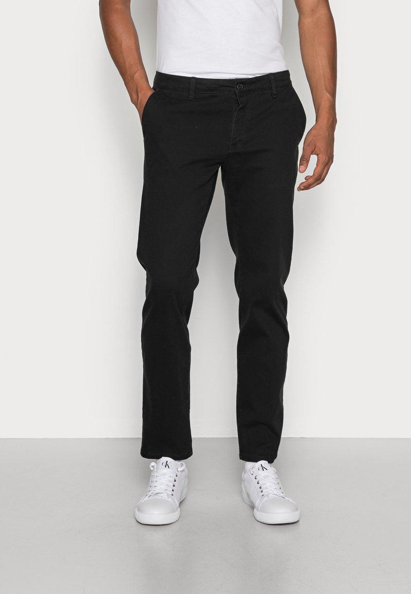 Pier One - Chinot - black