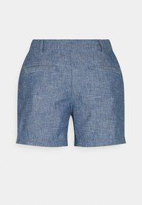 GAP Petite - Shorts - indigo chambray - 1
