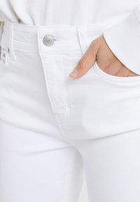 DRYKORN - NEED - Jeans Skinny Fit - white denim - 3