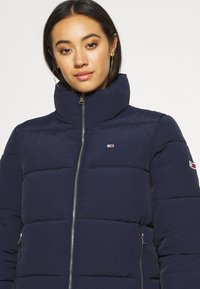 Tommy Jeans - MODERN PUFFER JACKET - Winter jacket - twilight navy - 3