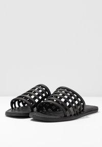 Shoe The Bear - TAO CAGE - Pantofle - black - 4